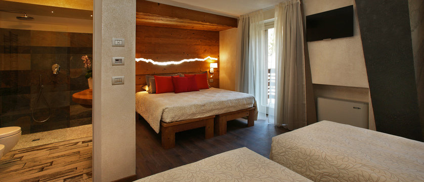 italy_milky-way-ski-area_sauze-doulx_hotel_serendipity_suite.jpg